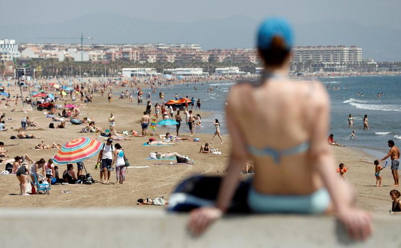 Plaża w hiszpańskiej Walencji /Kai Foersterling /PAP/EPA