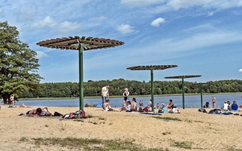 Plaża w miasteczku Borne Sulinowo /Jerzy Ochoński   /PAP life