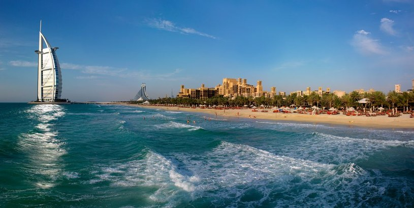 Plaże w Dubaju są otwarte przez cały rok /materiały prasowe