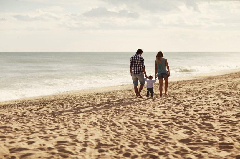 Plażowanie poza sezonem to czysta przyjemność: wokół tylko cisza i spokój /123RF/PICSEL