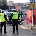 Płock: Przechodzień zginął uderzony przez sygnalizator świetlny