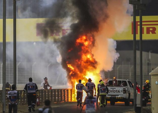 Płomienie na miejscu wypadku /Kamran Jebreili / Pool /PAP/EPA