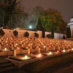 Płoną znicze na polskich grobach za granicą