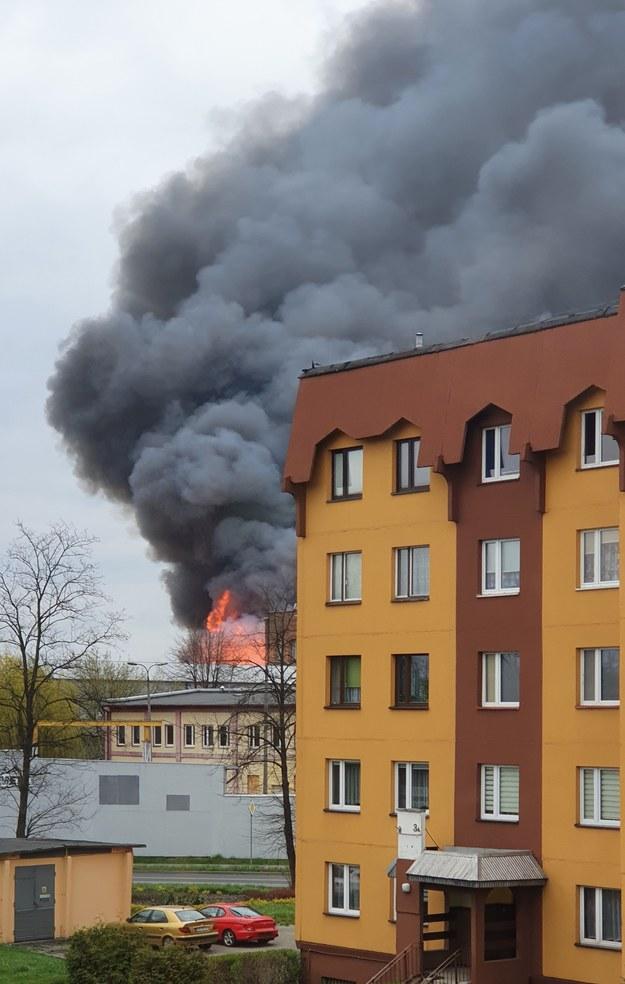 Płonąca hala magazynowa przy ul. Chemicznej w Dąbrowie Górniczej /Słuchaczka RMF FM /Gorąca Linia RMF FM