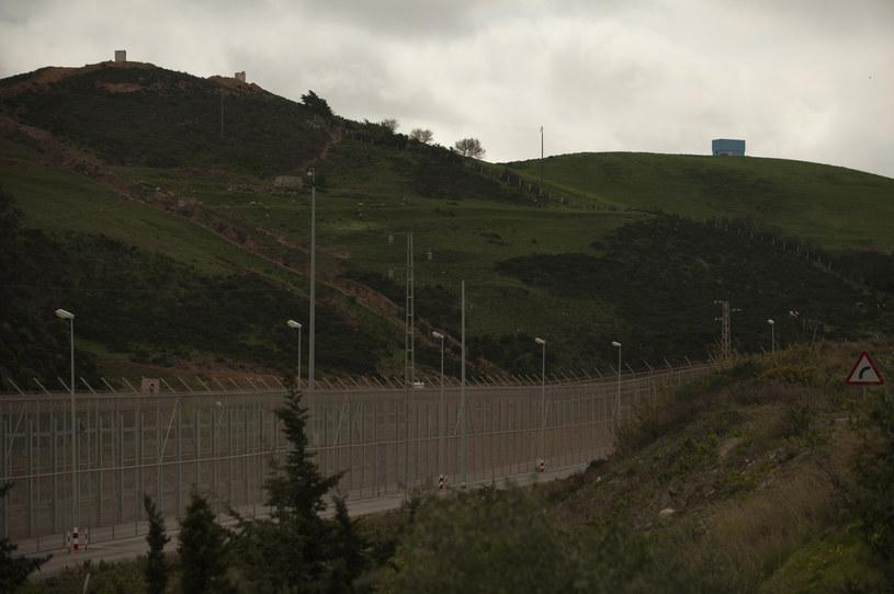 Płot graniczny w Ceucie /AFP
