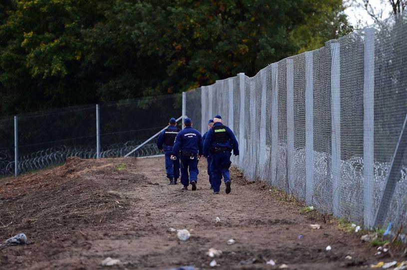 Płot przy węgierskiej granicy /AFP