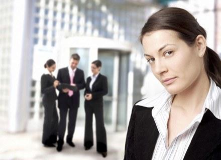 Plotki w miejscu pracy mają długi żywot /ThetaXstock