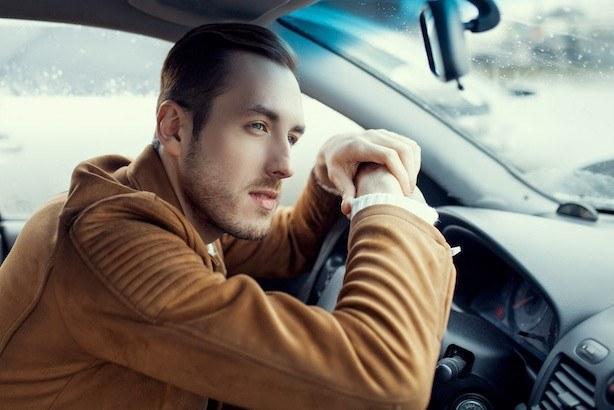 Plusem pracy taksówkarza jest brak obowiązku płacenia składki ZUS /Adobe Stock