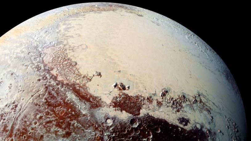 Pluton zaczynał jako naprawdę gorący obiekt? /NASA