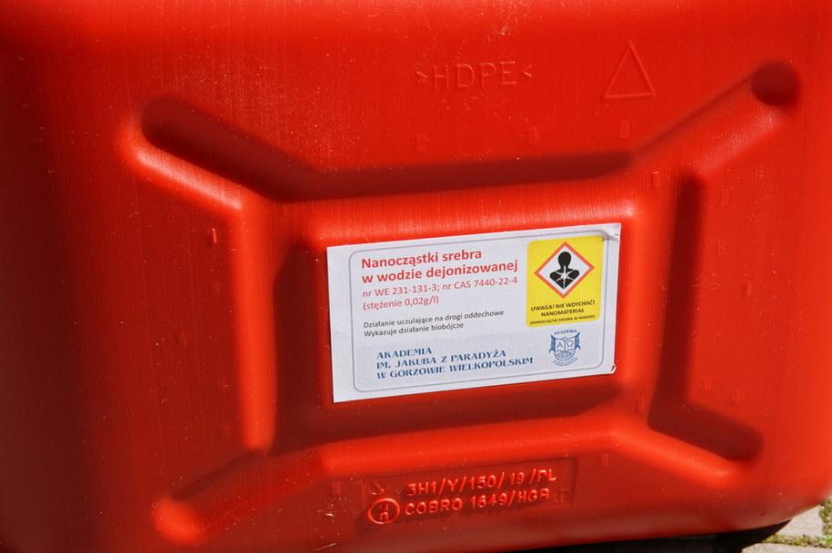 Płyn do dezynfekcji, który zostanie przekazany do Wielospecjalistycznego Szpitala Wojewódzkiego w Gorzowie Wielkopolskim / Lech Muszyński    /PAP
