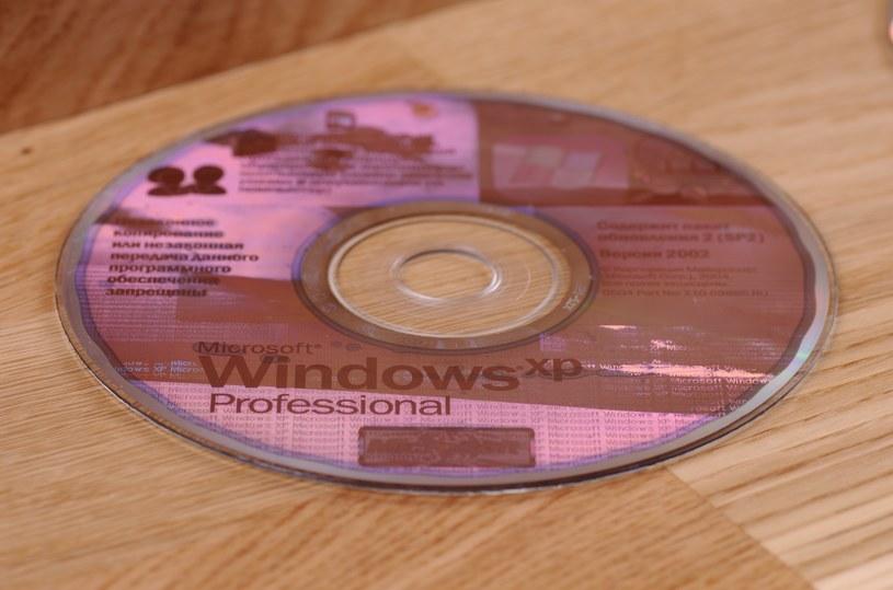 Płyta z systemem Windows XP /123RF/PICSEL
