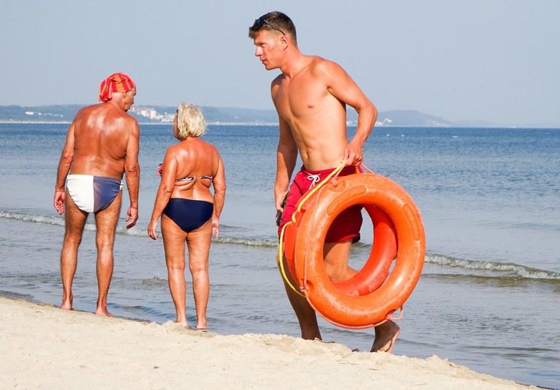 Pływać można tylko w strzeżonych, wyznaczonych do tego miejscach /Piotr Kamionka /East News