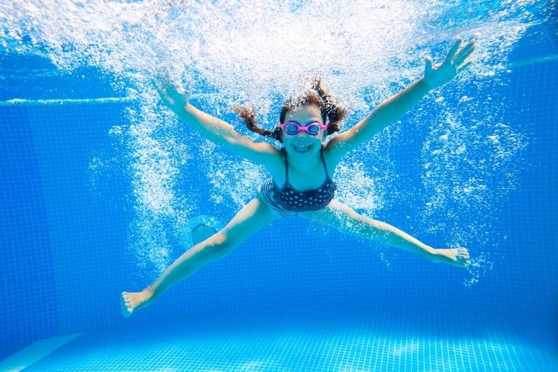 Pływanie niweluje stres /©123RF/PICSEL