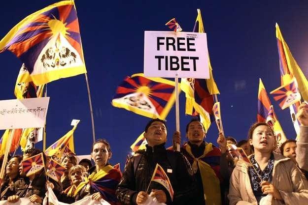 Po 2008 r. władze w Pekinie zacieśniły kontrolę nad tym Tybetańskim Regionem Autonomicznym /AFP