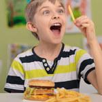Po aferze drożdżówkowej, przyszła pora na hamburgerową