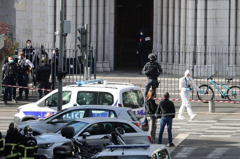 Po ataku w bazylice Notre-Dame w Nicei /VALERY HACHE /AFP