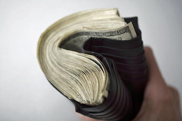 Po chudych latach 2009-2010 w tym roku już co piąta firma zamierza podnieść pensje pracownikom /© Panthermedia