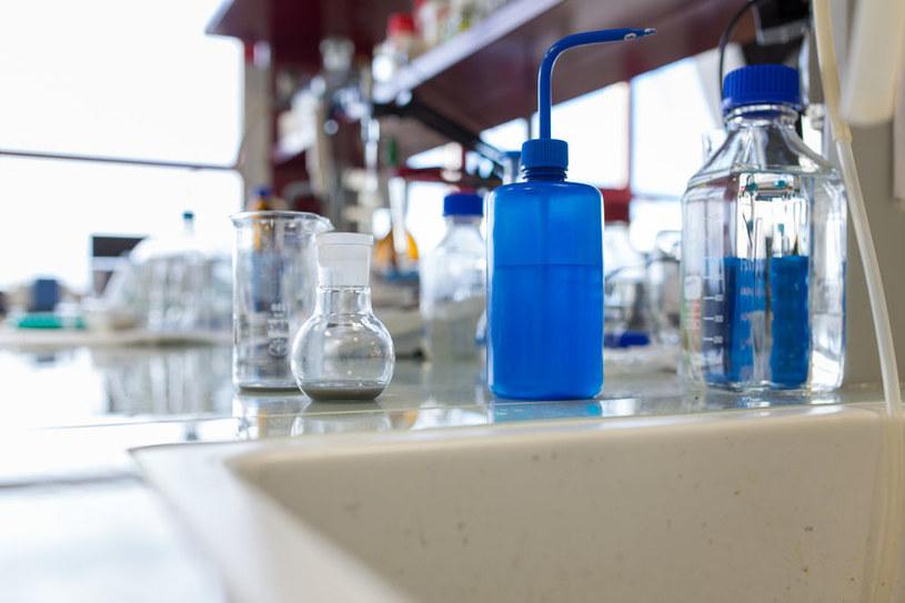 Po co chemikom tak silny kwas organiczny? /123RF/PICSEL