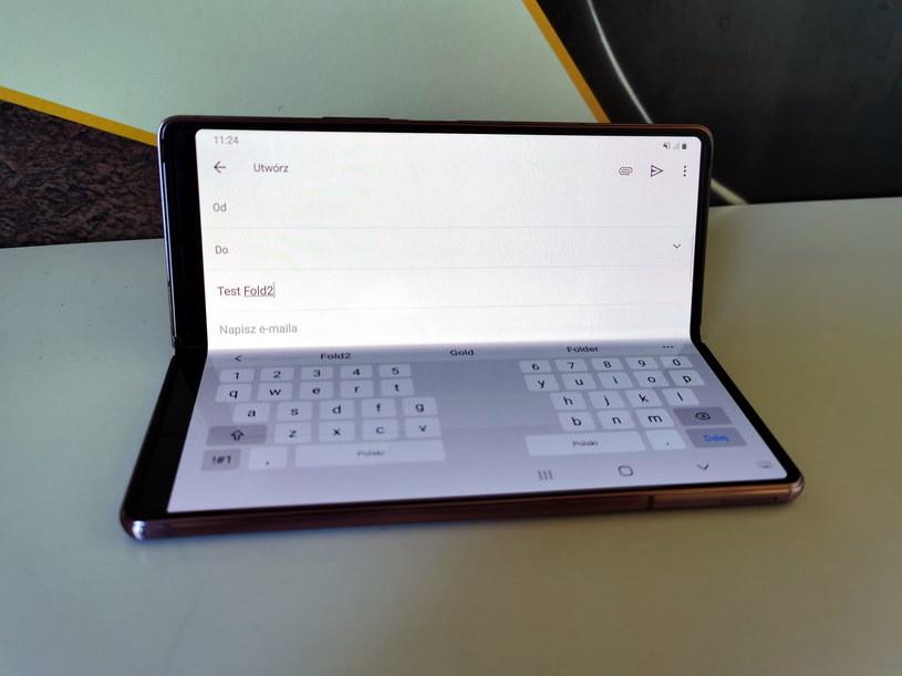 Po częściowym złożeniu Folda2, podczas pisania dostajemy urządzenie przypominające malutki komputer /INTERIA.PL