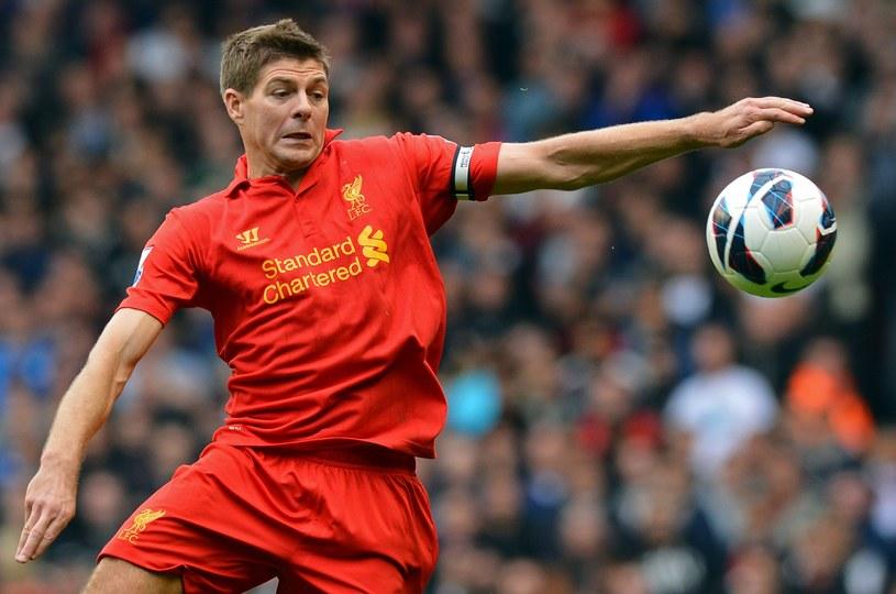 Po golu Gerrarda Liverpool prowadzi 1-0, ale przegrał z Man Utd 1-2 /AFP