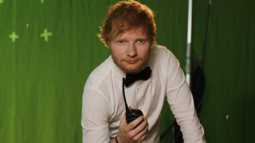 Po imprezie u księżniczki Beatrycze Sheeranowi pozostała blizna /FaceToFace /Reporter