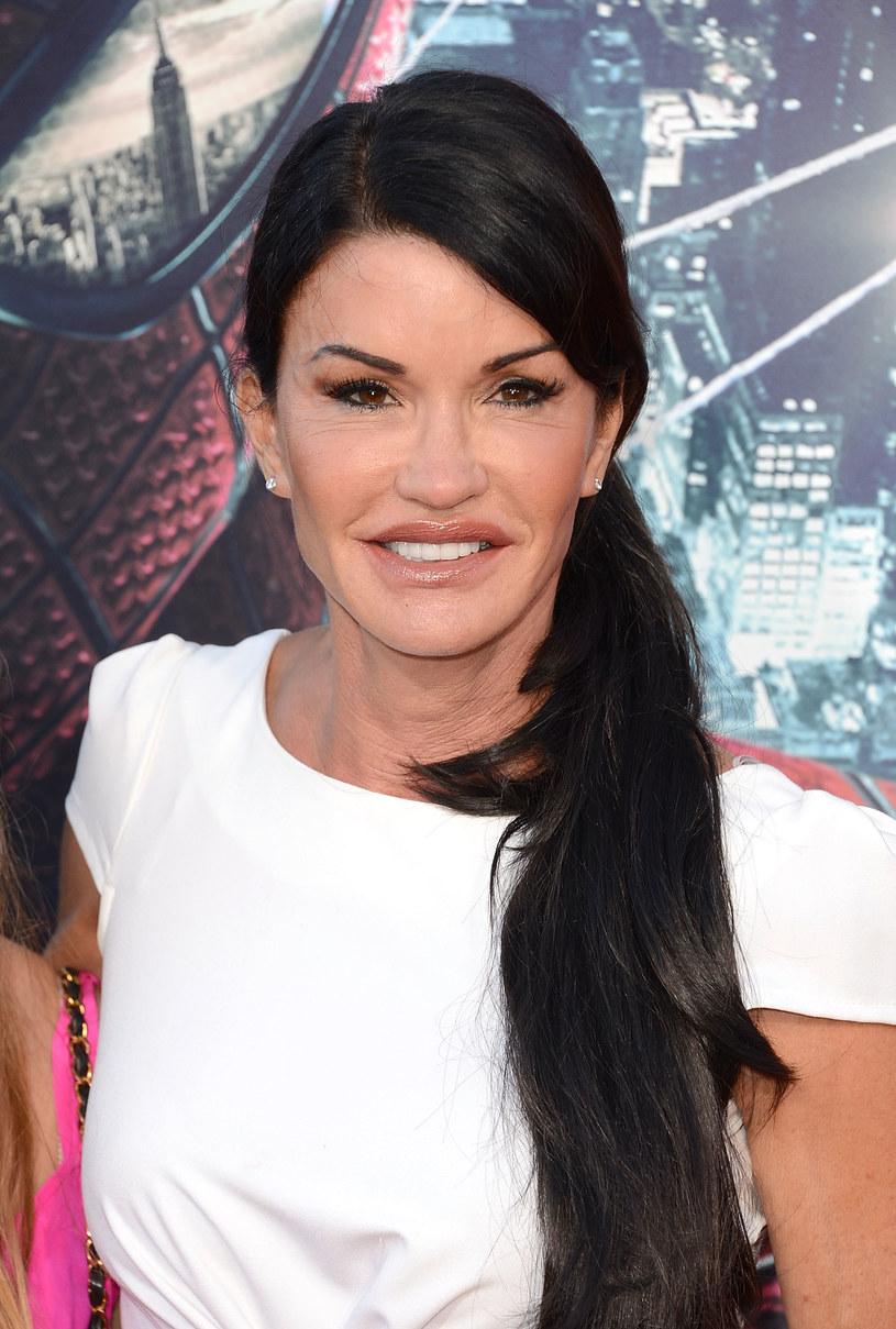 Po Janice widać, że lubi operacje plastyczne /Getty Images