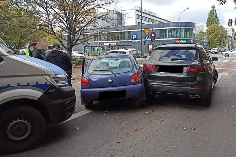 Po kolizji kierowca i pasażer próbowali uciekać pieszo /Policja