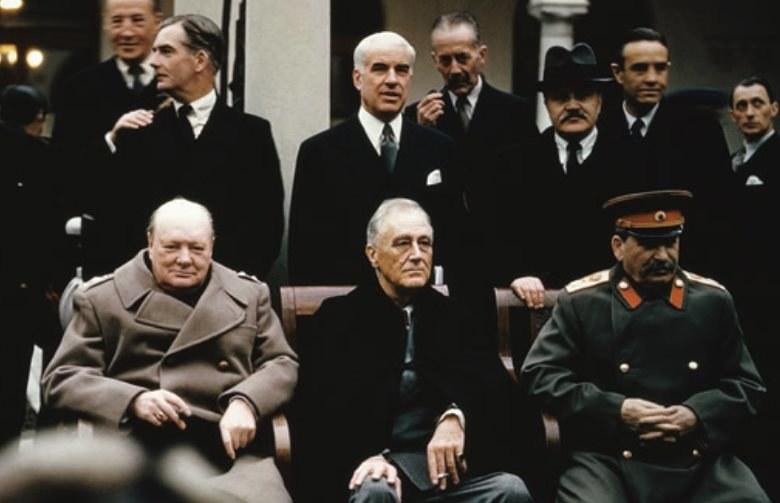 Po konferencji w Jałcie stało się jasne, że Stalin nie dotrzyma słowa, a schorowany Roosevelt jest na jego pasku /Getty Images/Flash Press Media