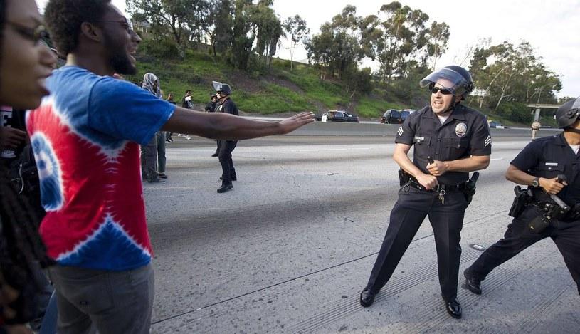 Po kontrowersyjnym wyroku w USA wybuchły protesty /AFP