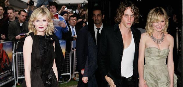 Po lewej: Kirsten na premierze o 18:00, po prawej: w nocy z Johnnym Borrellem, fot. Dave Hogan  /Getty Images/Flash Press Media
