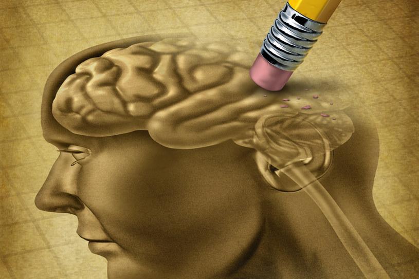 Po operacji każde wydarzenie czy obraz pozostawało w jego głowie nie dłużej niż kilka minut. Potem wymazywało się, niczym za pomocą gumki, a pamięć znów stawała się czystą kartką papieru