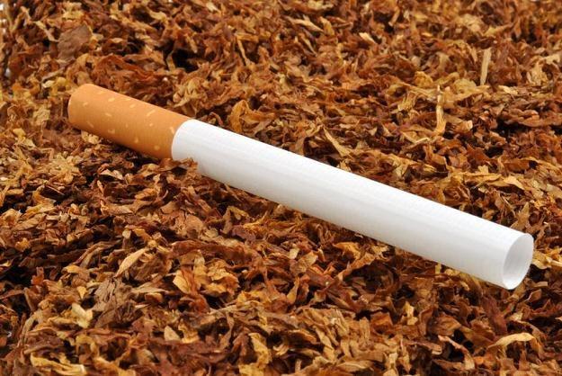 Po opodatkowaniu, cena papierosów z suszu (za paczkę) skoczy z 2 do 6 zł /©123RF/PICSEL