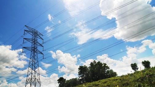 Po pięćdziesięciu dniach obowiązywania rząd poprawia błędy w ustawie o cenach energii