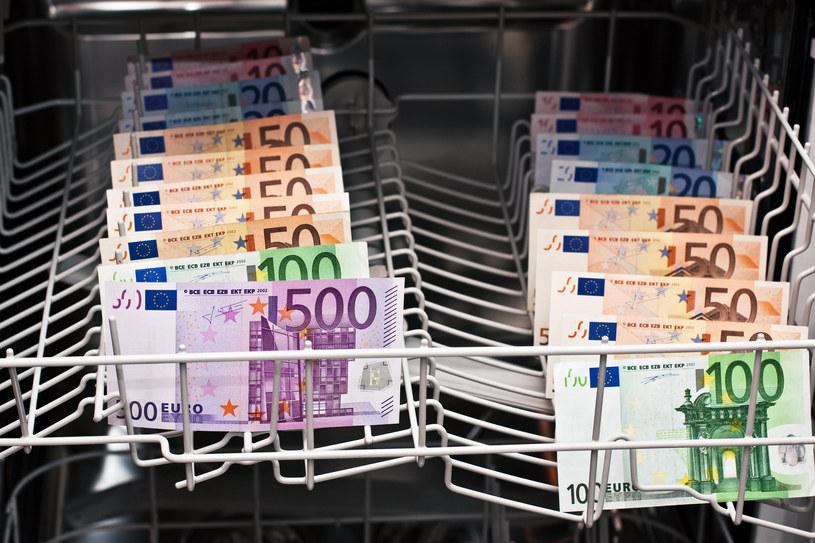 Po powodziach w Niemczech trzeba wyczyścić miliony euro! /123RF/PICSEL