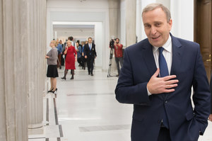 """PO przegania PiS. """"Działa mechanizm widoczny w poprzedniej kadencji"""""""