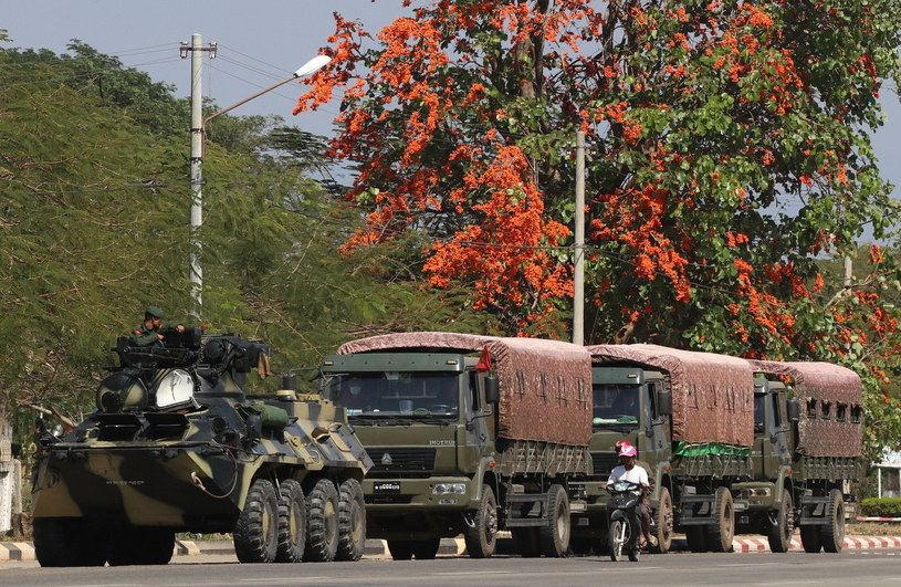 Po przewrocie wojsko umacnia swoją władzę w Birmie /MAUNG LONLAN /PAP/EPA