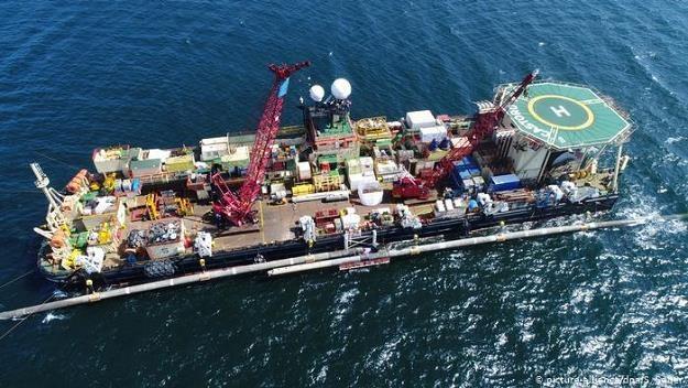 Po przyjęciu przez Bundestag dyrektywy gazowej UE Nord Stream 2 pozostaje problemem politycznym /Deutsche Welle