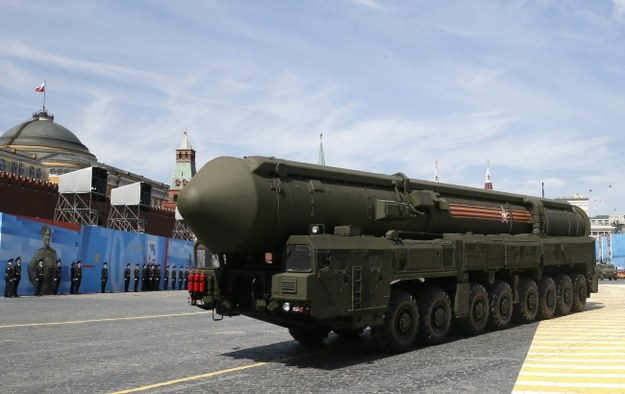 Po raz pierwszy przy takiej okazji pokazane zostały wielogłowicowe pociski balistyczne dalekiego zasięgu na mobilnych wyrzutniach RS-24 Jars /YURI KOCHETKOV /PAP/EPA