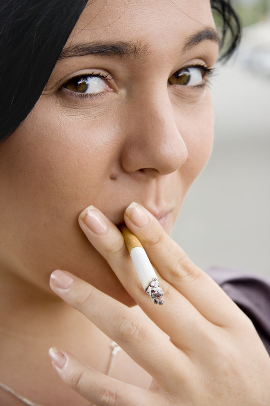 Po roku od rzucenia palenia ryzyko chorób układu krążenia spadnie o połowę  /© Panthermedia