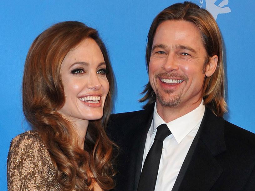 Po siedmiu latach związku Angelina Jolie i Brad Pitt zaręczyli się /Getty Images