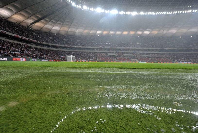 Po skandalu przed meczem z Anglią organizatorzy w odpowiednim momencie zamknęli dach /AFP