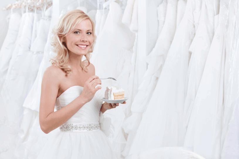 Po ślubie nie rezygnuj ze zdrowych nawyków żywieniowych /123RF/PICSEL