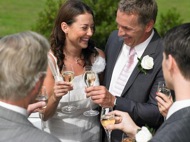 Po ślubie pamiętaj o fiskusie! /©123RF/PICSEL