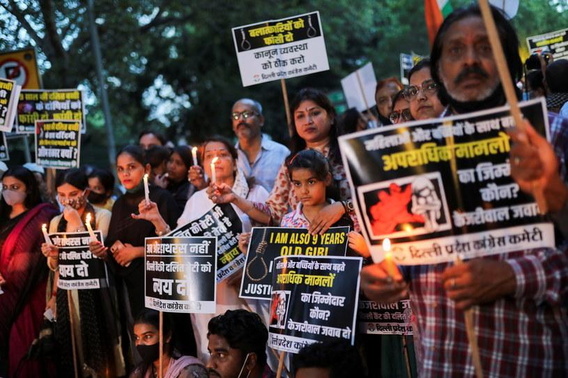 Po śmierci dziewczynki wybuchły protesty /Anushree Fadnavis/REUTERS /Agencja FORUM