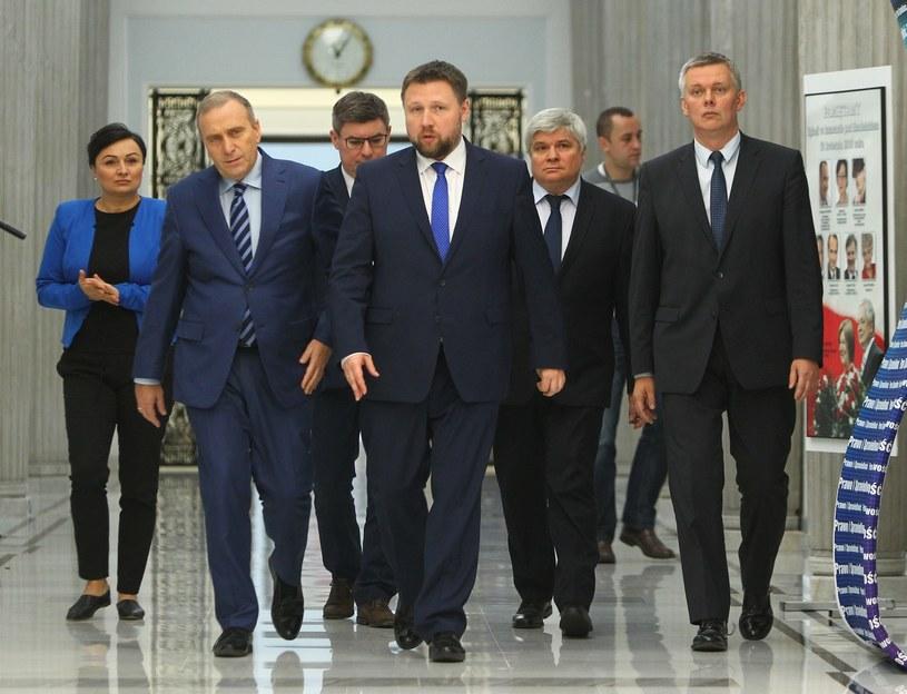 PO spotka się z liderami opozycji w sprawie wotum nieufności /STANISLAW KOWALCZUK /East News