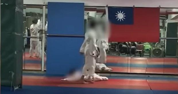 Po treningu chłopiec trafił do szpitala /YouTube.com /