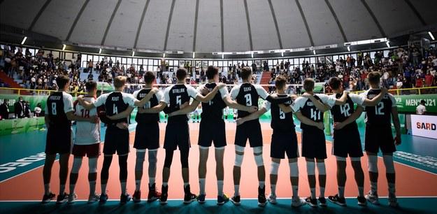 Po trudnym meczu z Włochami, reprezentacja Polski juniorów zmierzyła się z Argentyną. Polacy pokonali rywali 3:0 (25:16, 25:14, 25:19) i tym samym zapewnili sobie brązowe medale mistrzostw świata U21. /ANNA DANILUK /