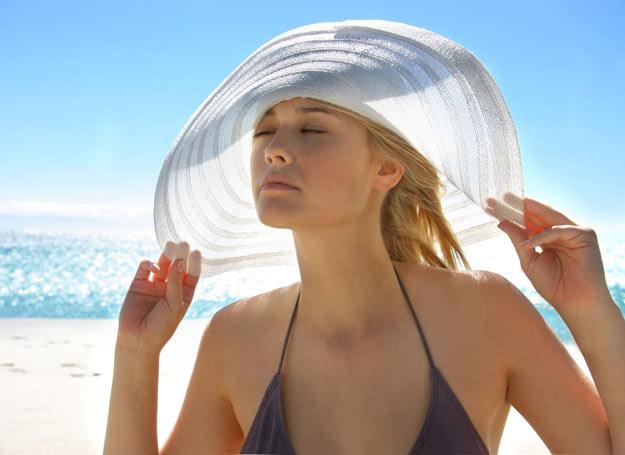 Po wakacjach pij wciąż minimum 1,5 litra wody dziennie, to poprawi pracę całego organizmu /Picsel /123RF/PICSEL
