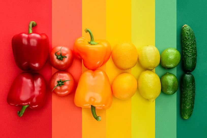 Po warzywa i owoce w kolorach słońca powinniśmy sięgać jak najczęściej /123RF/PICSEL