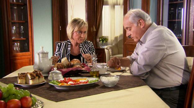 Po wielu latach małżeństwa, Hanna zażąda od męża rozwodu w 179. odcinku. /TVN